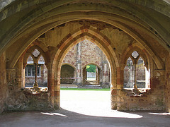 cleeve abbey archway